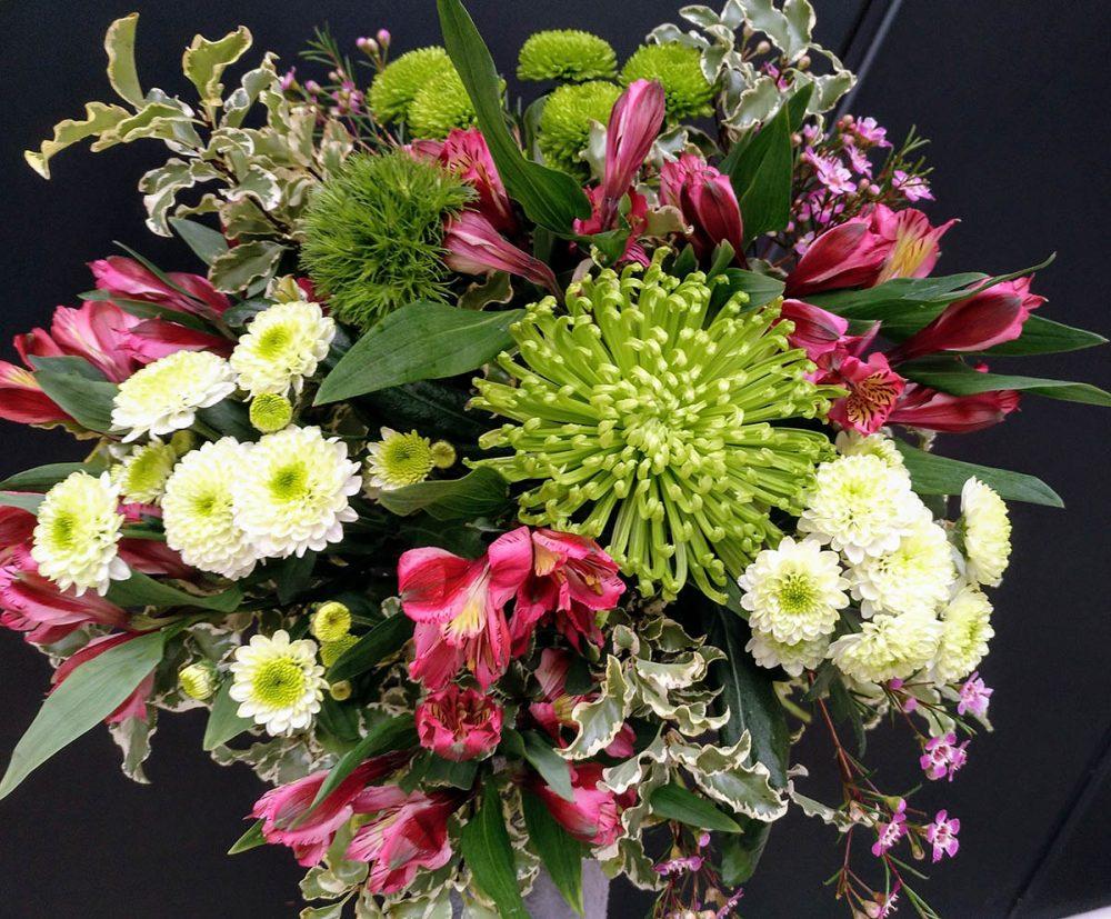 floristeriaparque3_Ramo_variado_colores_primaverales